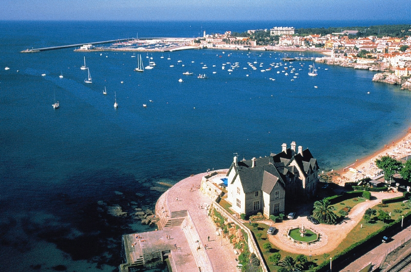 Estoril's coast